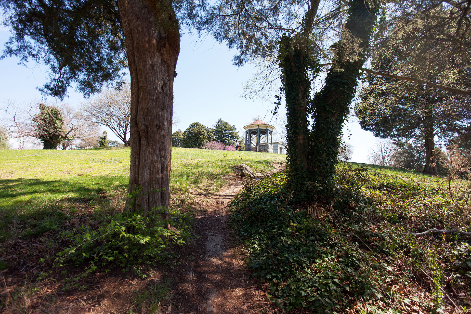 Path to the Maymont Mansion
