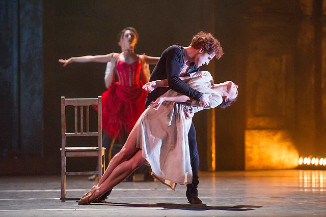 Steven McRae and Laura Morera in Sweet Violets © ROH/Tristram Kenton, 2014