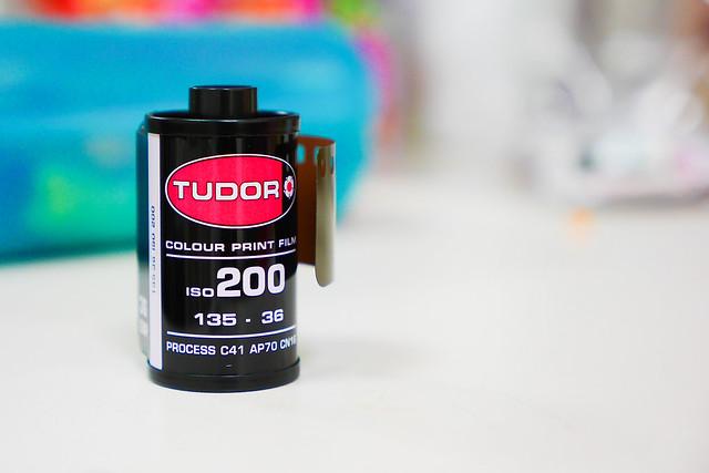 瘋底片(伍)–Tudorcolor XLX 200