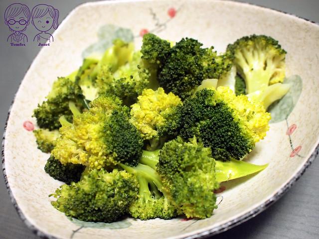 16 特力樂活 黑麻油&茶仔油 蔬食