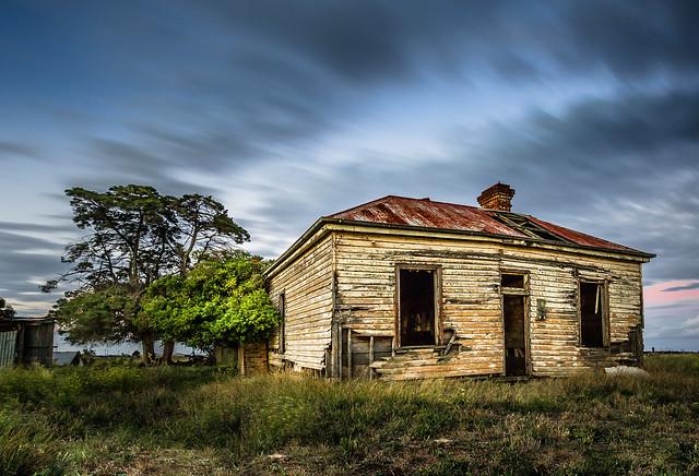 Charles Scicluna - Little old house