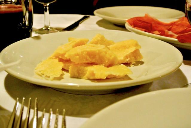 scaglie di parmigiano-reggiano