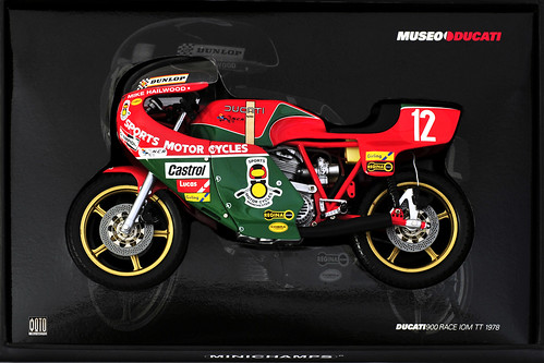 Ducati 900SS IOM TT Mike Hailwood 1978 Minichamps (c) 2015 Бернхард Эггер :: ru-moto images | pure passion 5673