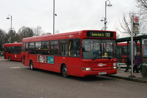 Metrobus 334 on Route 130, Addington Village