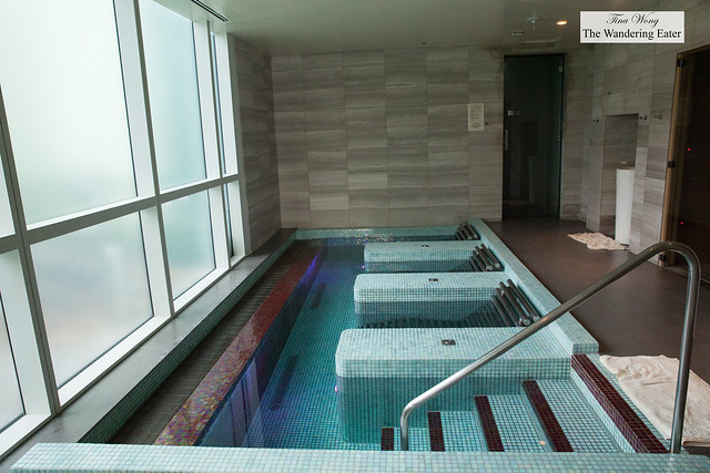 Deep soaking tubs in the spa