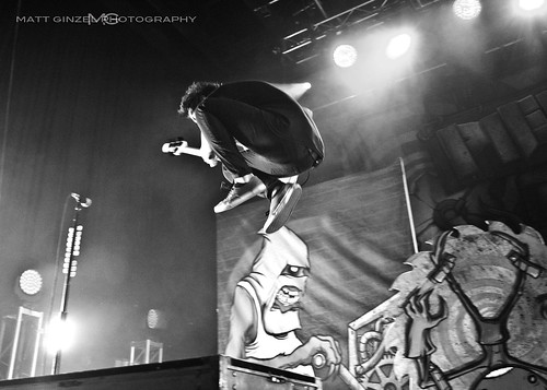 Back  gt  Gallery For  gt  Pierce The Veil Black And White LivePierce The Veil Black And White Live
