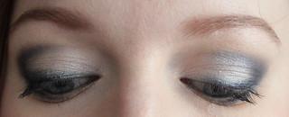 Vous reprendrez bien un peu de bleu: les deux yeux fermés