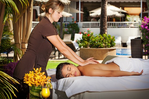 Fairmont Kea Lani-Side View Massage, Photo Courtesy of Fairmont Kea lani