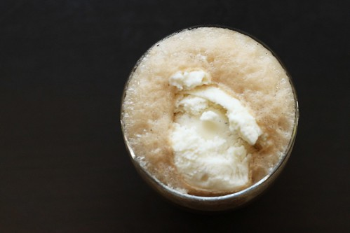 Post image for Alcoholic Root Beer Float