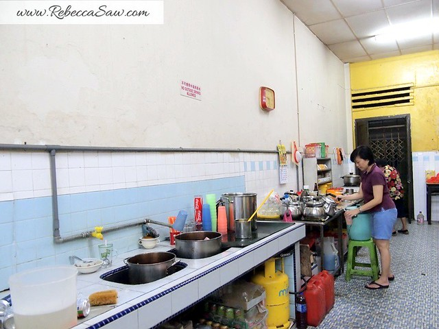 Wan Tan Mee, besides oyster omelette bunga raya melaka-005
