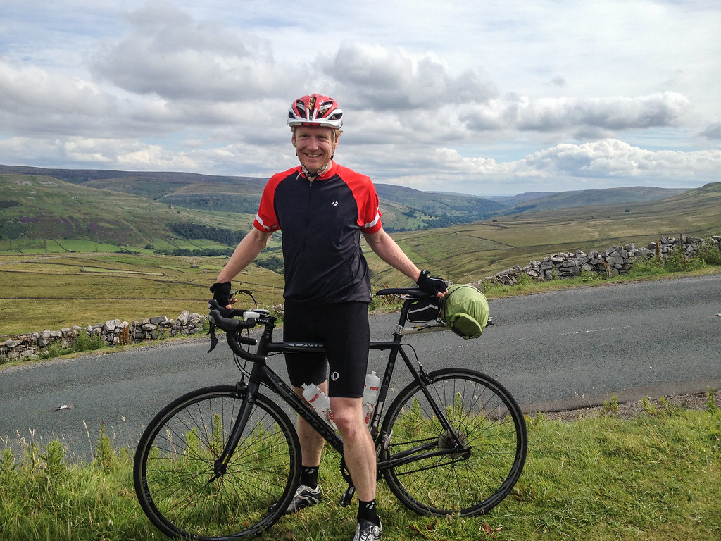Buttertubs pass / dork on bike