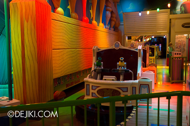 Toy Story Mania - Loading Area