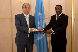 NEW PERMANENT REPRESENTATIVE OF TANZANIA PRESENTS CREDENTIALS TO DIRECTOR-GENERAL OF UNOG