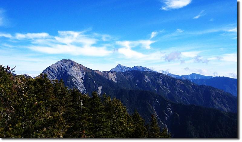南湖、中央尖、無明連稜(From 羊頭山)