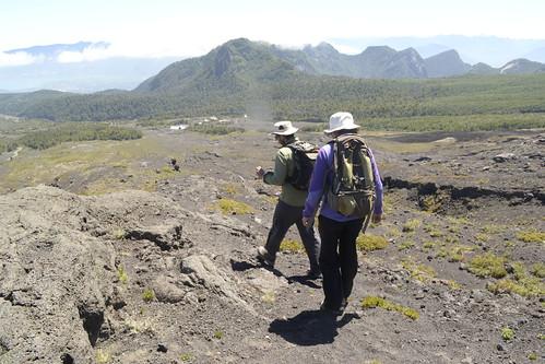 Instalación de GPS en el sector de las Cuevas (Villarica)