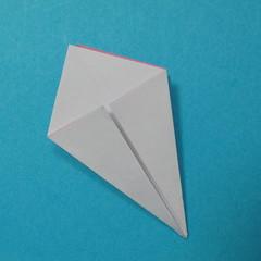 วิธีการพับกระดาษเป็นดอกไม้แปดกลีบ 007