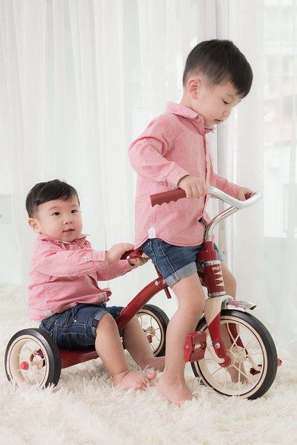 Jerry & Jerome on the tricycle.