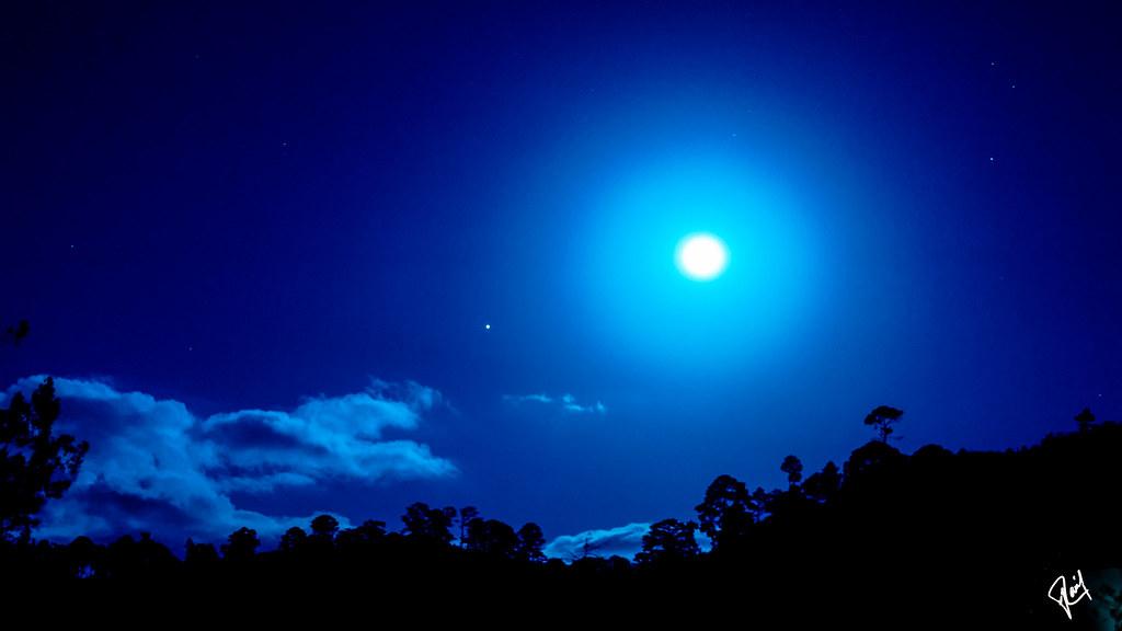Night shift full moon