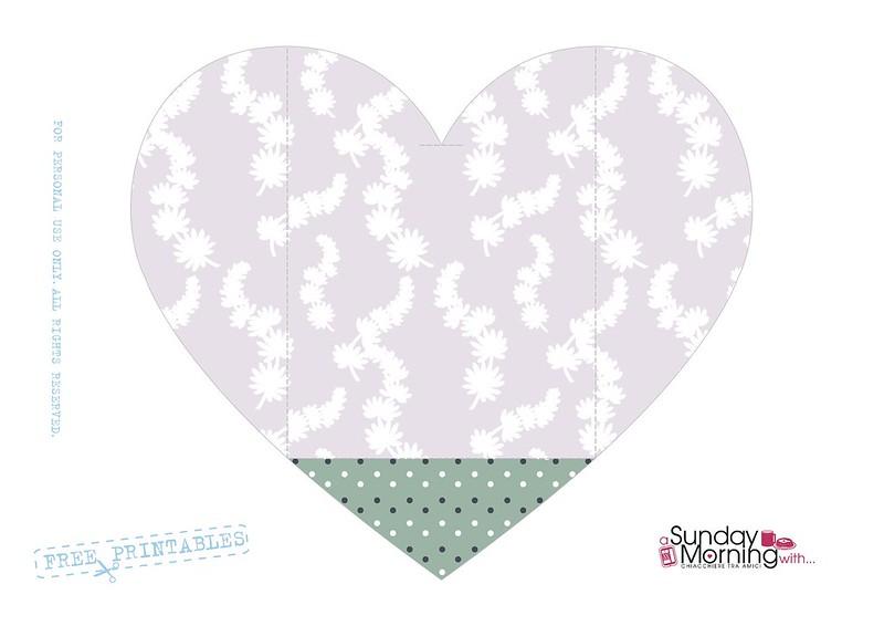 bustina a forma di cuore pattern fiorellini