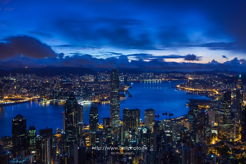 china city longexposure morning hk sun night sunrise landscape photography hongkong dawn lights photo twilight glow cityscape fb central peak neonlights rise 香港 financial ifc metropolitan 風景 victoriaharbour 太平山 港 boc 日出 中環 維港 維多利亞港 攝影 燈 山頂 金融 燈光 國金 都市 fbp 破曉 中銀 500px lugardroad tumblr 盧吉道 bellphoto peaksunrise