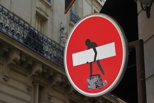 Clet_7561 rue Saint Louis en l'Ile Paris 04