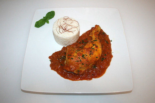36 - Curry chicken leg in apple sauce - Served / Curry-Hähnchenschenkel in Apfelsauce - Serviert