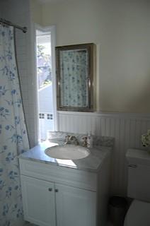 Bathroom {tiny} before