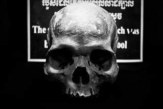 Creepy skull B/W