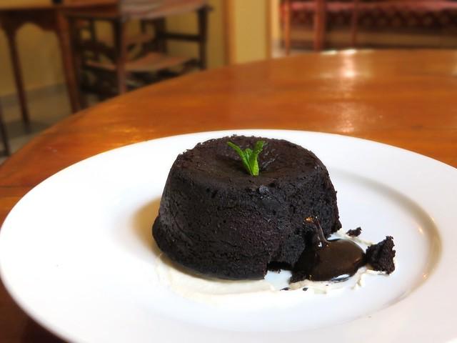 amal restaurant, best restaurants in marrakech, chocolat moelleux, morocco
