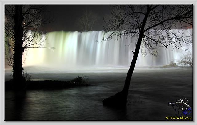 12 Cascada de El Peñón (nocturna)