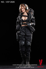 VERYCOOL TOYS VCF-2029 Black Female Shooter - 16