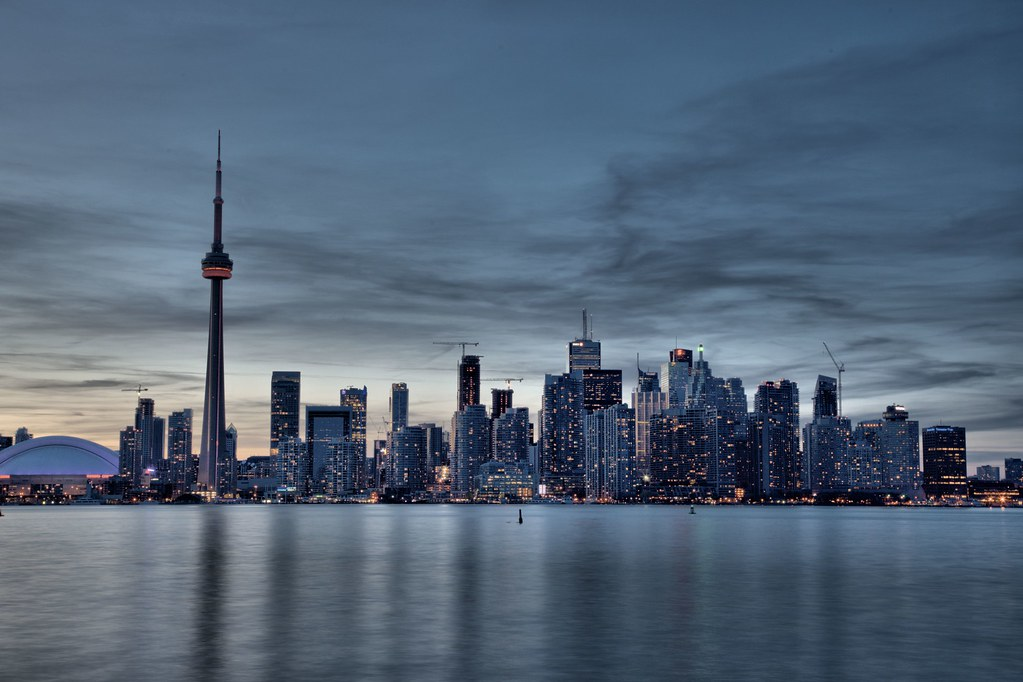 <b>Toronto Skyline</b> - YouTube