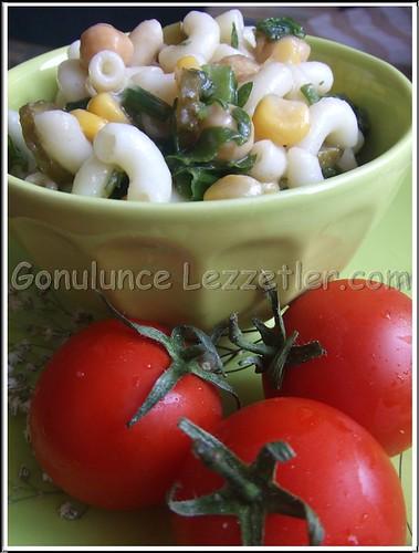 makarnalı, nohutlu salata 3