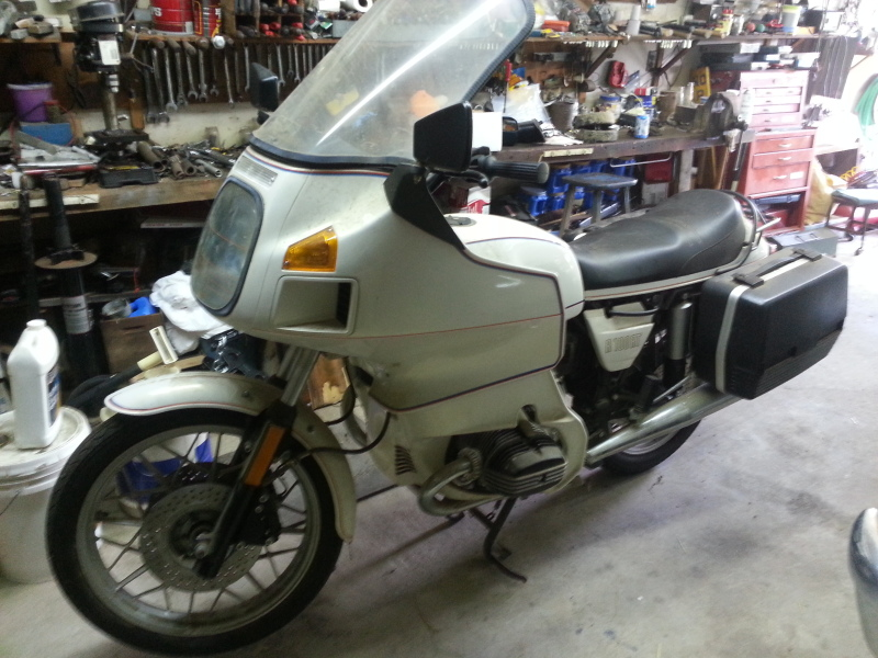 1984 bmw r100 rt only has 2 miles on it adventure rider. Black Bedroom Furniture Sets. Home Design Ideas