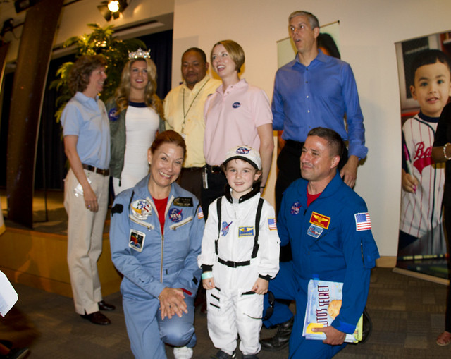 Miss America, the folks from NASA and Arne Duncan with Oscar