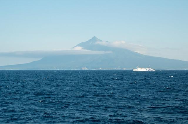 フェリーから見た利尻島
