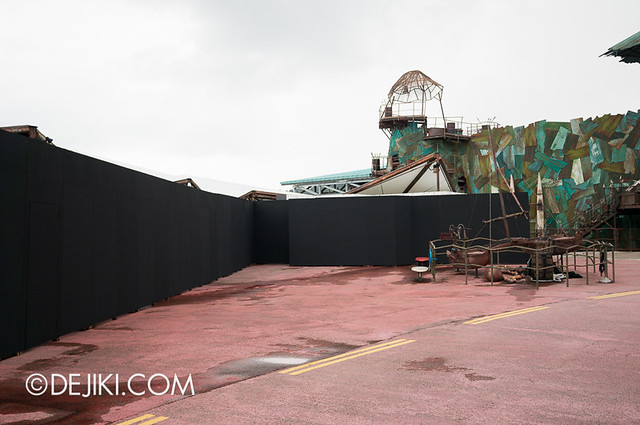Universal Studios Singapore - HHN3 Possessions Maze Construction