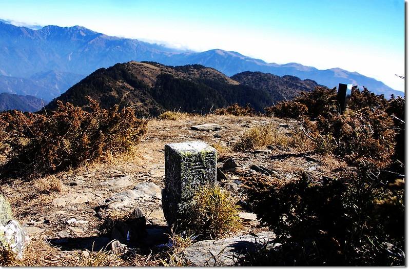 牧山三等三角點(# 5969 Elev. 3241 m) 2
