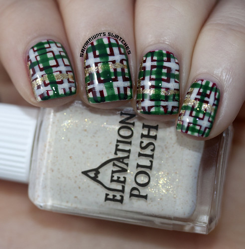 Christmas Plaid Nail art (1)
