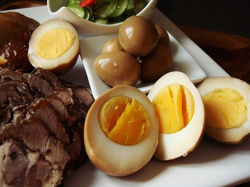 Soy Sauce Marinated Eggs & Quail Eggs 鹵蛋