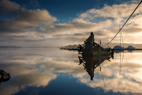 water norway clouds sunrise reflections boats ship wreck hvaler ef1740mm asmaløy canon6d bentvelling