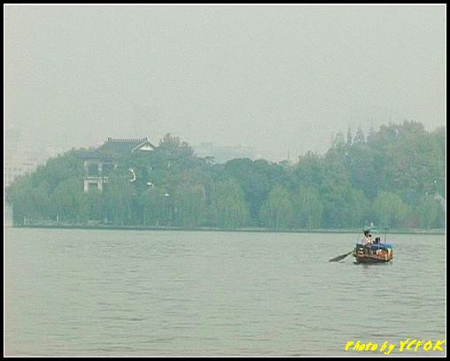 杭州 西湖 (其他景點) - 609 (西湖十景之 柳浪聞鶯 西湖上的小遊船 背景是古湧金門一帶)