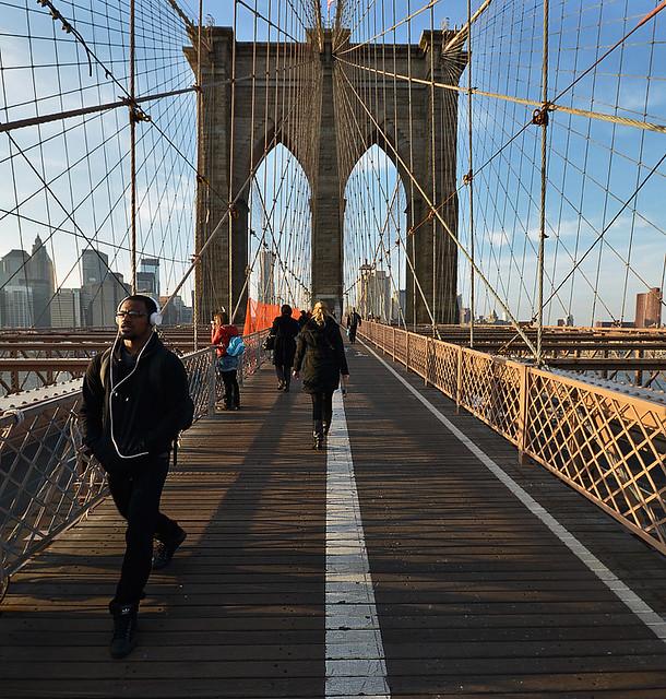 Paseando por el puente de Brooklyn
