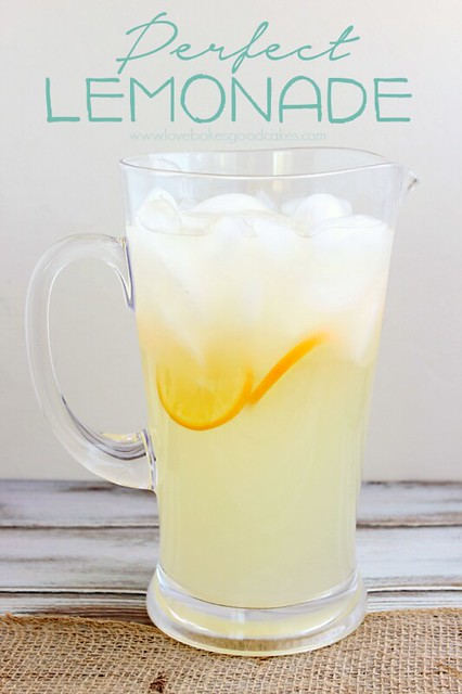 Perfect Lemonade - Is there a more cool and refreshing drink when the weather warms up?! This lemonade has the perfect balance of sweet and tart. Serve it up at your next get-together! #lemons #lemonade #beverage