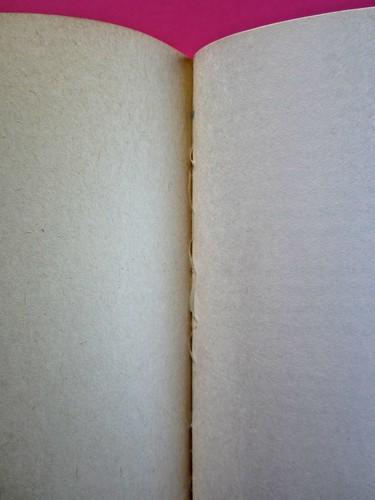 Soglie, di Gérard Genette. Einaudi 1989. Responsabilità grafica non indicata [Munari]. Verso della carta di guardia, verso della quarta di copertina (part.), 1
