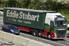 Volvo FH 6x2 Tractor with 3 Axle Curtainside Trailer - KM63 ZYY- H4995 - Alison Lorna - Eddie Stobart - M1 J10 Luton - Steven Gray - IMG_9389
