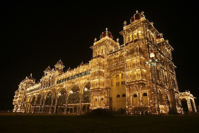 Palais de Mysore éclairé