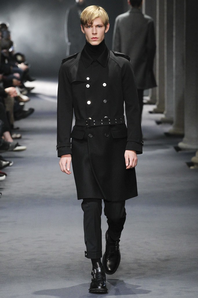 FW15 Milan Neil Barrett024_Simon Fitskie(VOGUE)