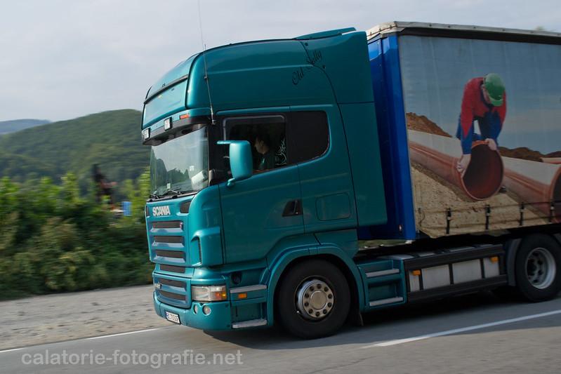 Ciucea - Fotografiind TIR-uri in viteza pe drumul european E60 16211193910_c716a49952_c