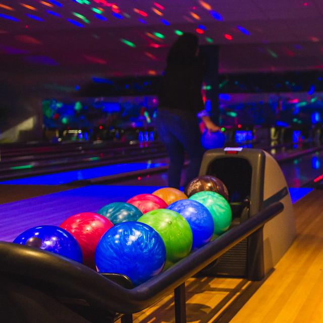 [327] Bowling